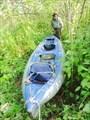 Тащим лодку по кустам.