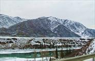 Незамерзающая Катунь. Зимой особенно красива