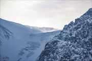 На леднике Малый Актру ветерок с позёмкой