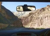 Дорога уходит от Инда в ущелье к деревне Зинчен