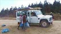 Лендроверы в Африке ценятся