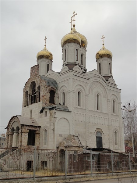На привокзальной площади Константиновки имеется церковь