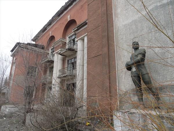 Сталинских построек в городе много