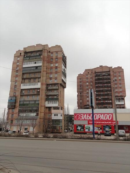 Два самых высотных жилых дома на главной площади
