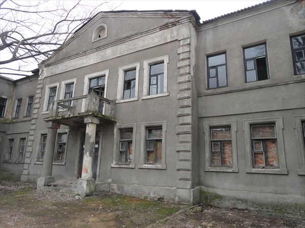 Соседнее здание с евро-отелем