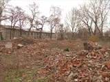 От некоторых домов остались только фундаменты и мусор
