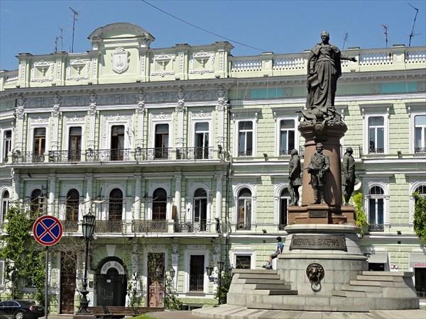 Памятник Екатерине Великой и её сподвижникам