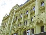 Гостиница Большая Московская, все еще на ремонте.