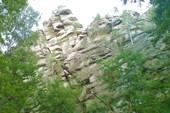 Скала над озером