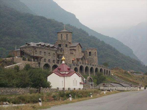 Мужской монастырь в Верхнем Фиагдоне