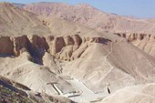 Valley_of_the_Kings_(Luxor,_Egypt)