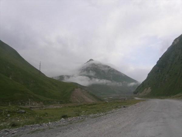 Крестовый перевал, Дарьяльское ущелье. Дорога к Верхнему Ларсу.