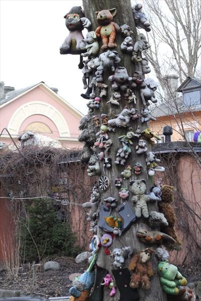 Дерево игрушек