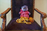 Басик на Янтарном троне с самым крупным самородком