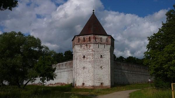 Борисоглебский монастырь. Угловая башня