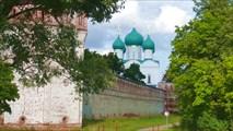 Крепостные стены Борисоглебского монастыря