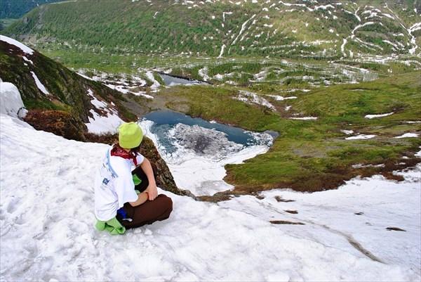 Нижнее озеро. Вид со снежного карниза