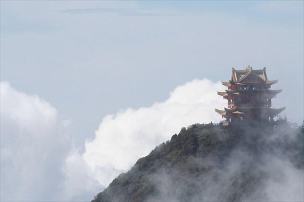 храм Ванфу - остров в море облаков
