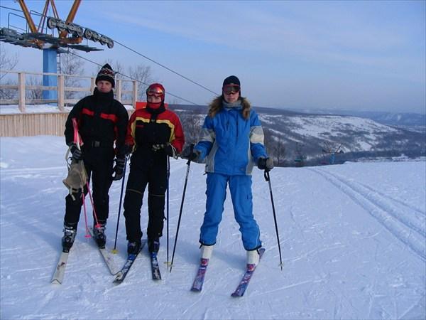 Алексей с Аней и Олей.