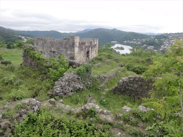 Остатки крепостных стен