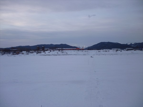 Вид на Танхой. 2013-03-16-07:25:22