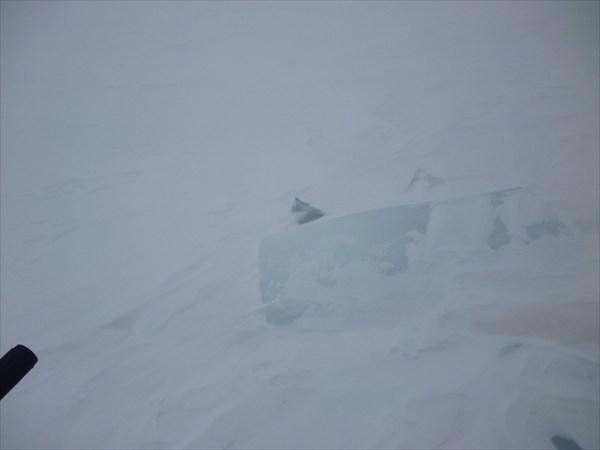 Лед среди снега. 2013-03-16-10:17:03