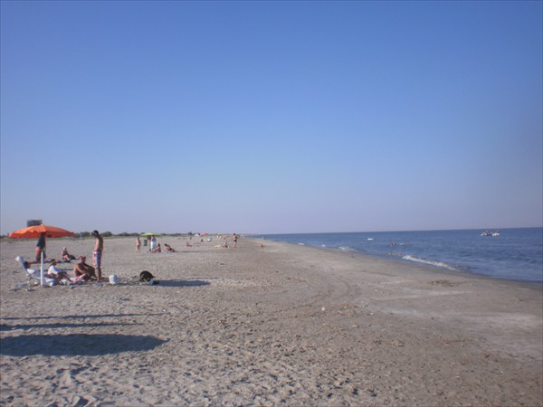 Сфынту-Георге, Пляж