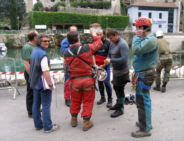 Команда французских спелеоспасателей (SSF)