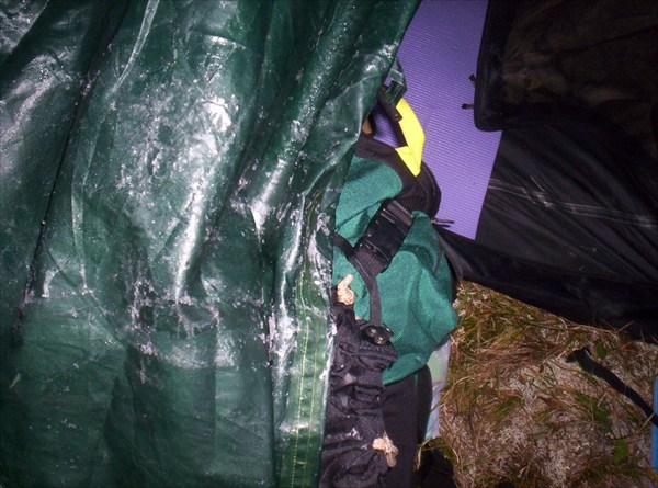 Иней на палатке