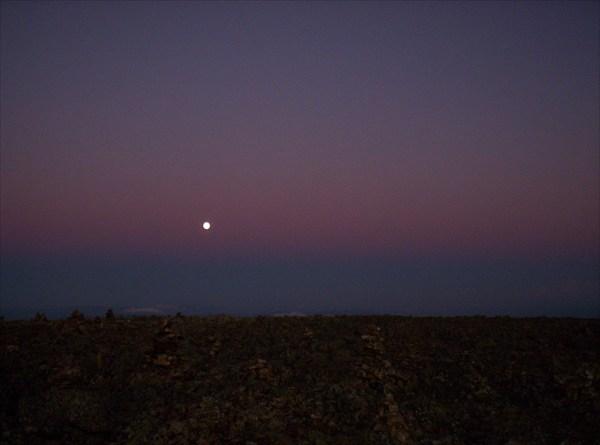 Луна в кисельном небе