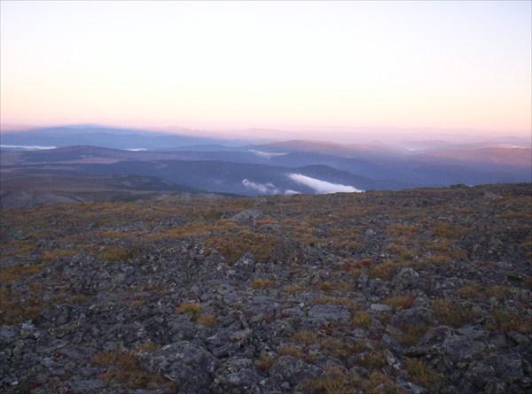 Восход на Сарлыке. Еще тень от Сарлыка