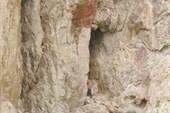Пещера на озере Кель-Суу