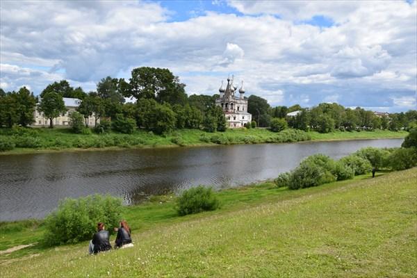 Р.Вологда и церковь Иоанна Златоуста