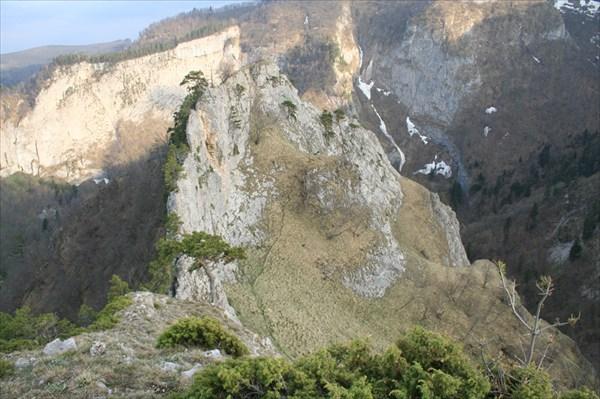 Парусовидная скала