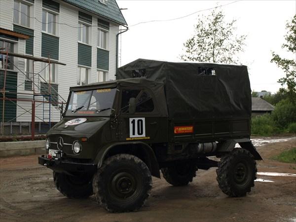 Немецкий грузовик Unimog