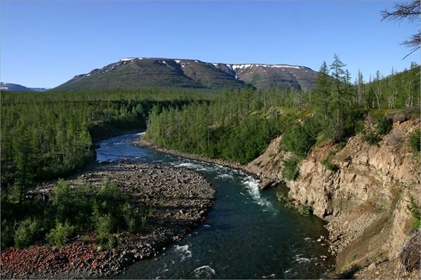 на фото: Река Кылтэллар.