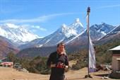 Вид на Эверест (слева), Лхотце и Ама Даблам из Тенгбоче