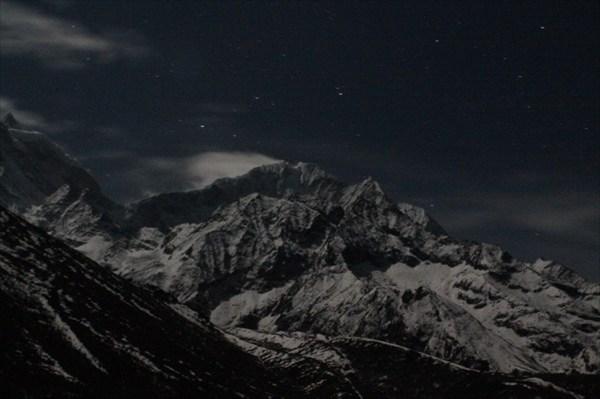 Ночной взгляд на хребет