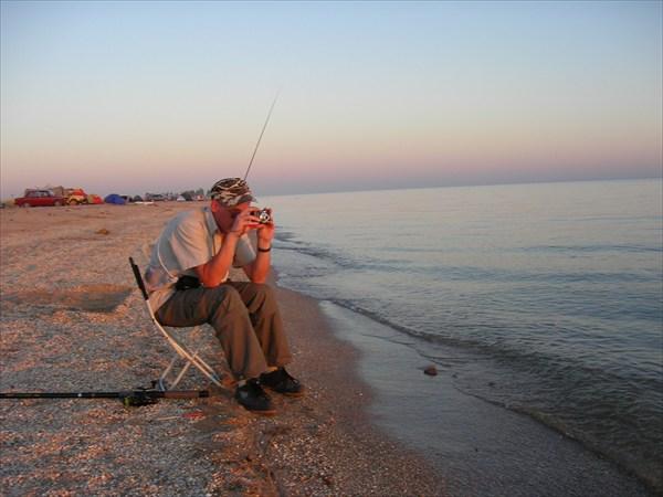 на фото: Вечерняя рыбалка