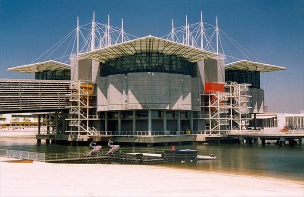 1024px-Lisbonne_Expo98_03