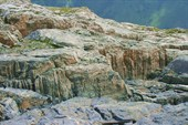 Большие трещины на перевале Золотое Дно.