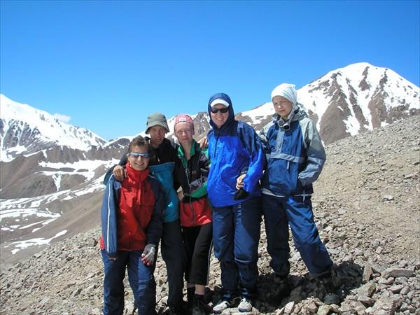 Группа на перевале Туристов (4000м, 1А)