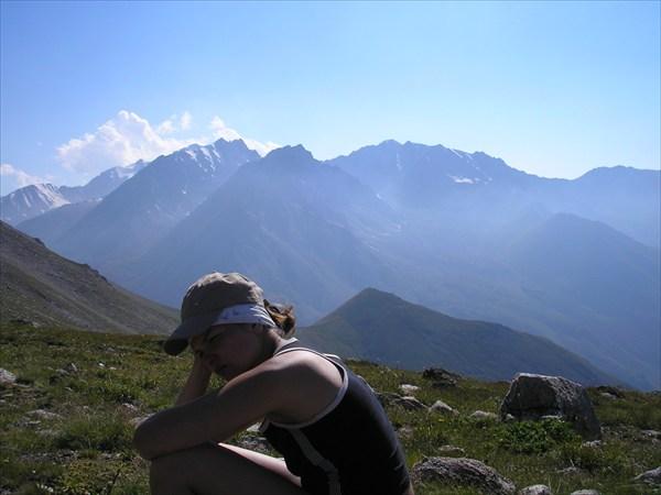 Вид на перевал В. Ломакина со стороны перевала Джусалы-Кезень