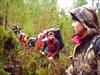 на фото: Пробираемся сквозь непролазный лес