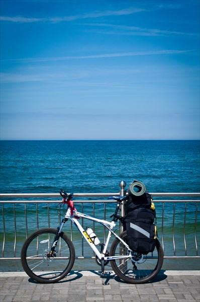 на фото: Велосипедик и Балтика