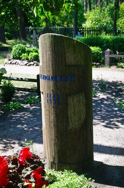 Кладбище с крикштами в Ниде.