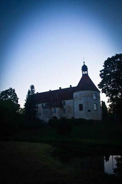 Замок Яунпилс. Крепость была построена в 1301 году