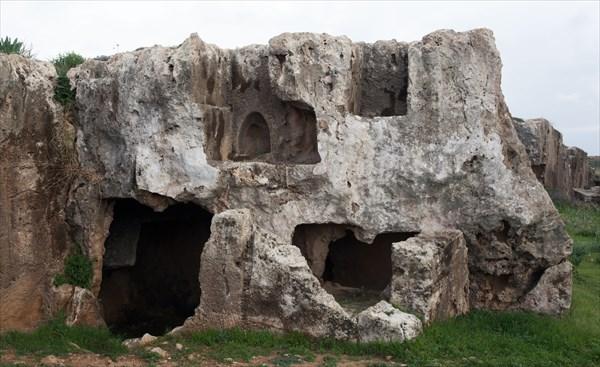 118.Гробницы