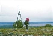 На вершине 325,5 хребта Онастэрэ. Вид на озеро Варчаты