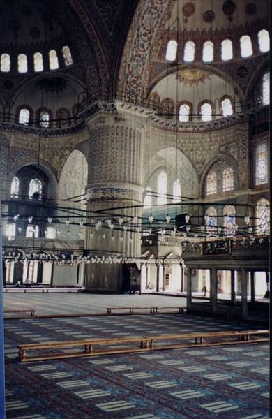 Внутри Голубой мечети. Стамбул